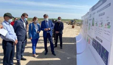 Шымкент: Сенат депутаттары «Тұран» шағын ауданындағы көпқабатты тұрғын үй құрылысымен танысты